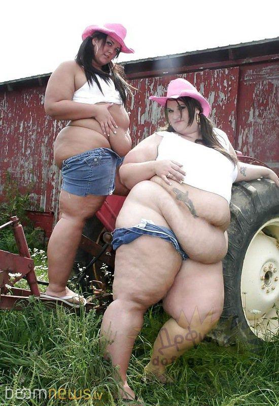 Порно видео толстая бабища развлекается с мужичками